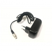 Chargeur de batterie avec prise de courant AIM Mychron
